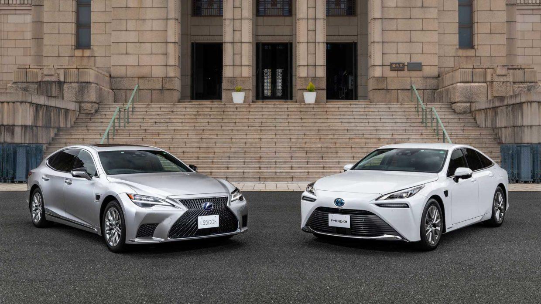 Lexus LS и Toyota Mirai