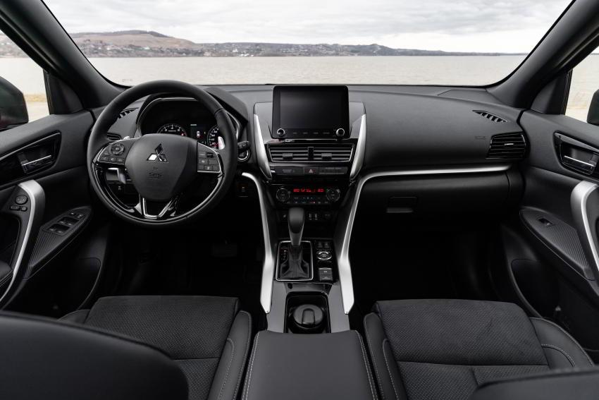 Интерьер Mitsubishi Eclipse Cross