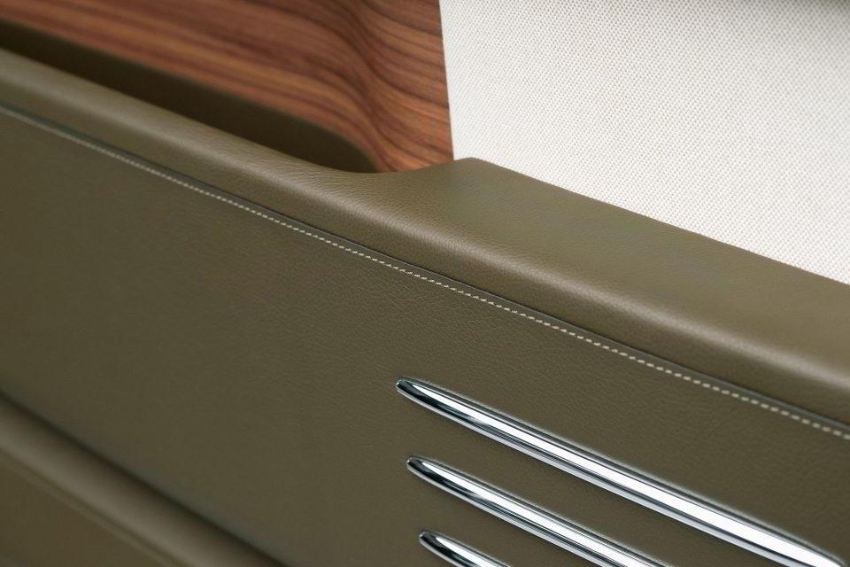 Rolls-Royce Phantom в стиле керамики Орибэ