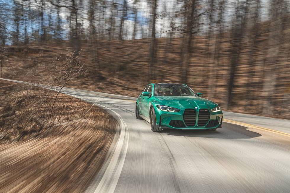 Новый BMW M3 2021 — мощь и агрессия